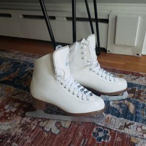 Glacier Girls Ice Skates